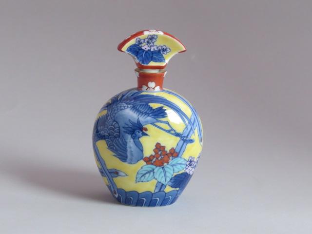 黄濃鳳凰桐文香水瓶